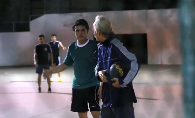 Brilliant Soccer Pro Disguised As An Old Man And Humiliated Some Young Guys. Amazing Skills and Hilarious!