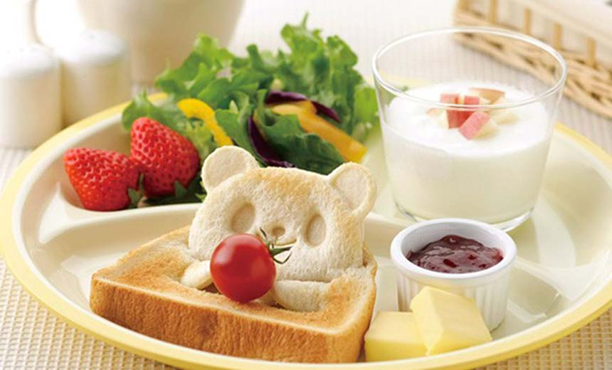 Too Cute To Eat? Teddy Bear Toast Stamp For Your Breakfast