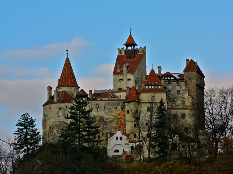 Open House: How Much Does it Cost to Live in the Dracula's Castle? See If You Got Enough Money.