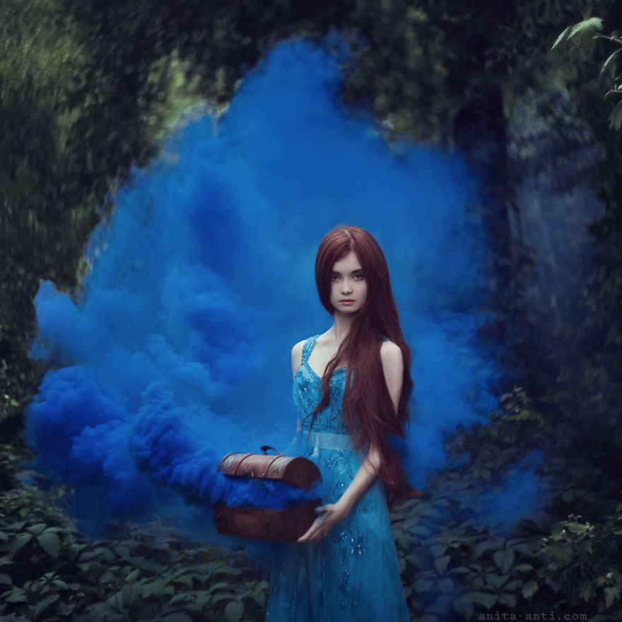 Enchanted Portraits of Women Depict a Secret Fantasy World