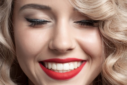 11 Hack Tips for Whiter Teeth