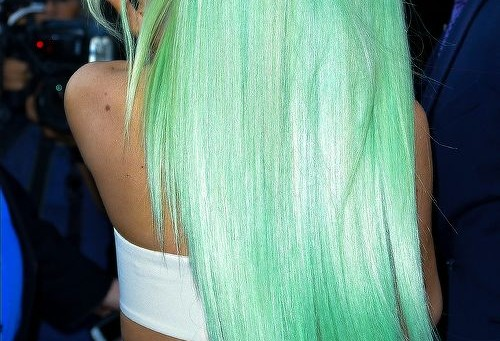 Featuring 16 of Kylie Jenner's Unique and Colorful Hairstyles