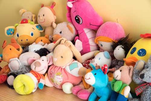 Clean children toys safely